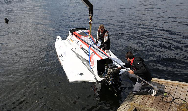Formel 1 båt og Marit Strømøy.