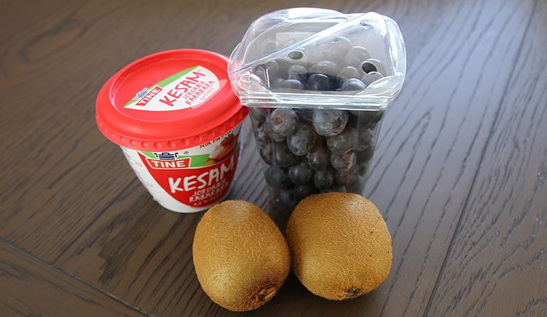 Ingredienser - Kesam, blåbær og kiwi.