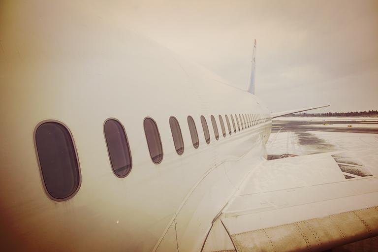 Norwegians 12 Boeing 787 Dreamliner - vindu i fokus.