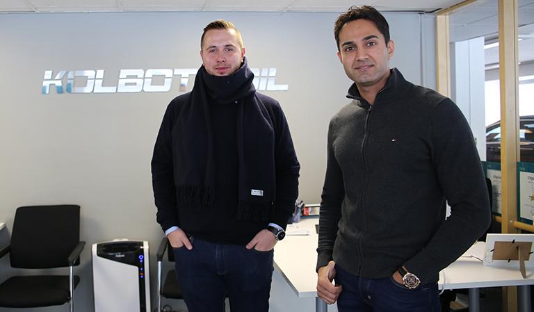Salko Kadic (f.v.) og Rizwan Shaukat fra Kolbotn bil.