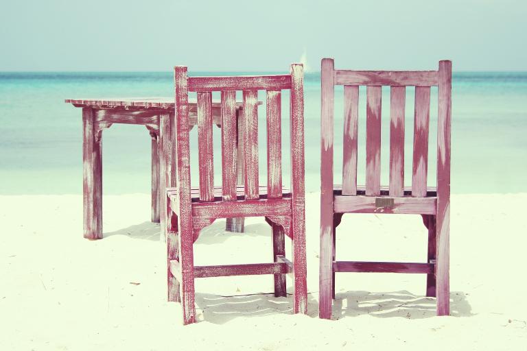 Stoler på strand - Aruba. Kilde: Pixabay.com