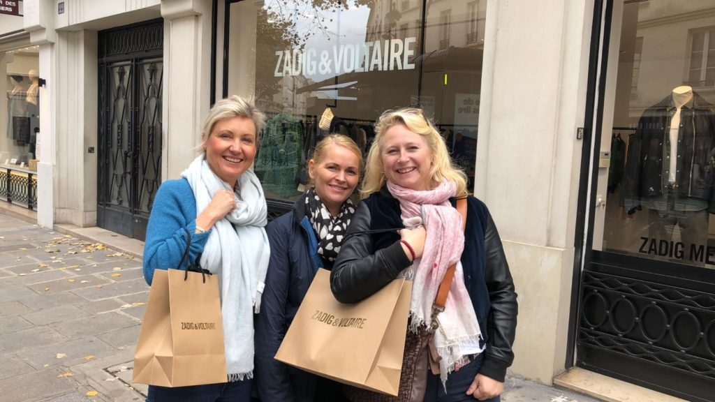 Kristine (f.v), Yvonne og Marianne på shopping i Latinerkvarteret.